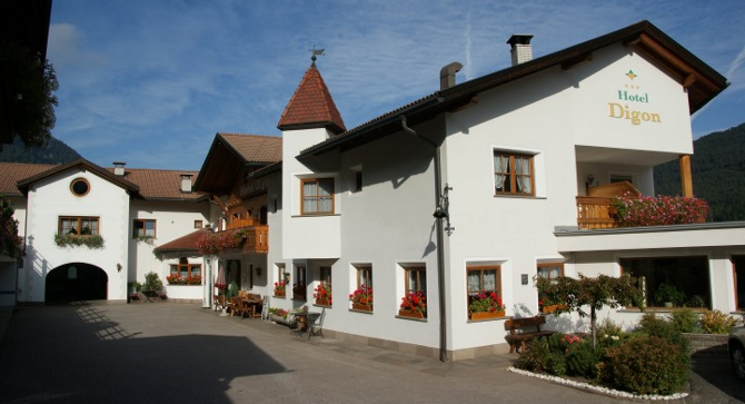 Hotel Digon, based for walking holiday in the Dolomites