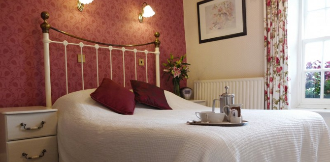 Bedrooms at The Three Shires when on a walking break