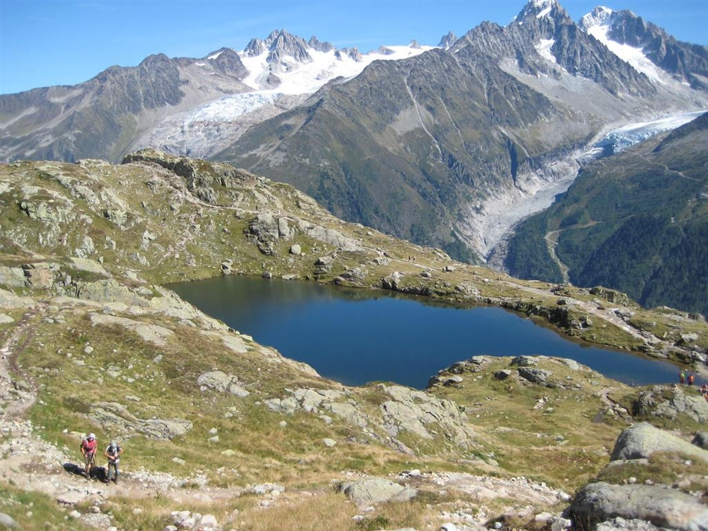 image: cheserys lake below lac blanc