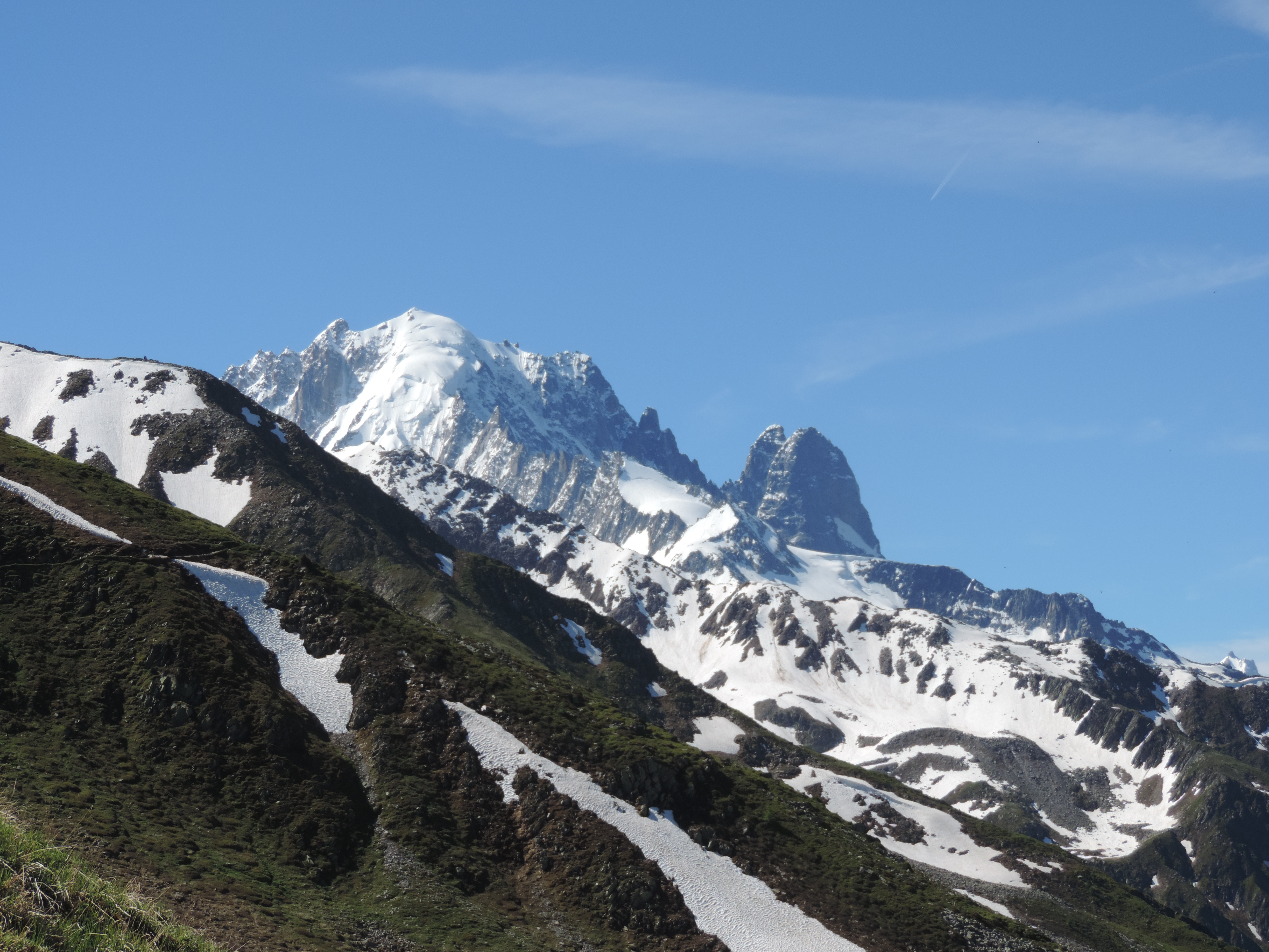 image: high mountain views from la tour