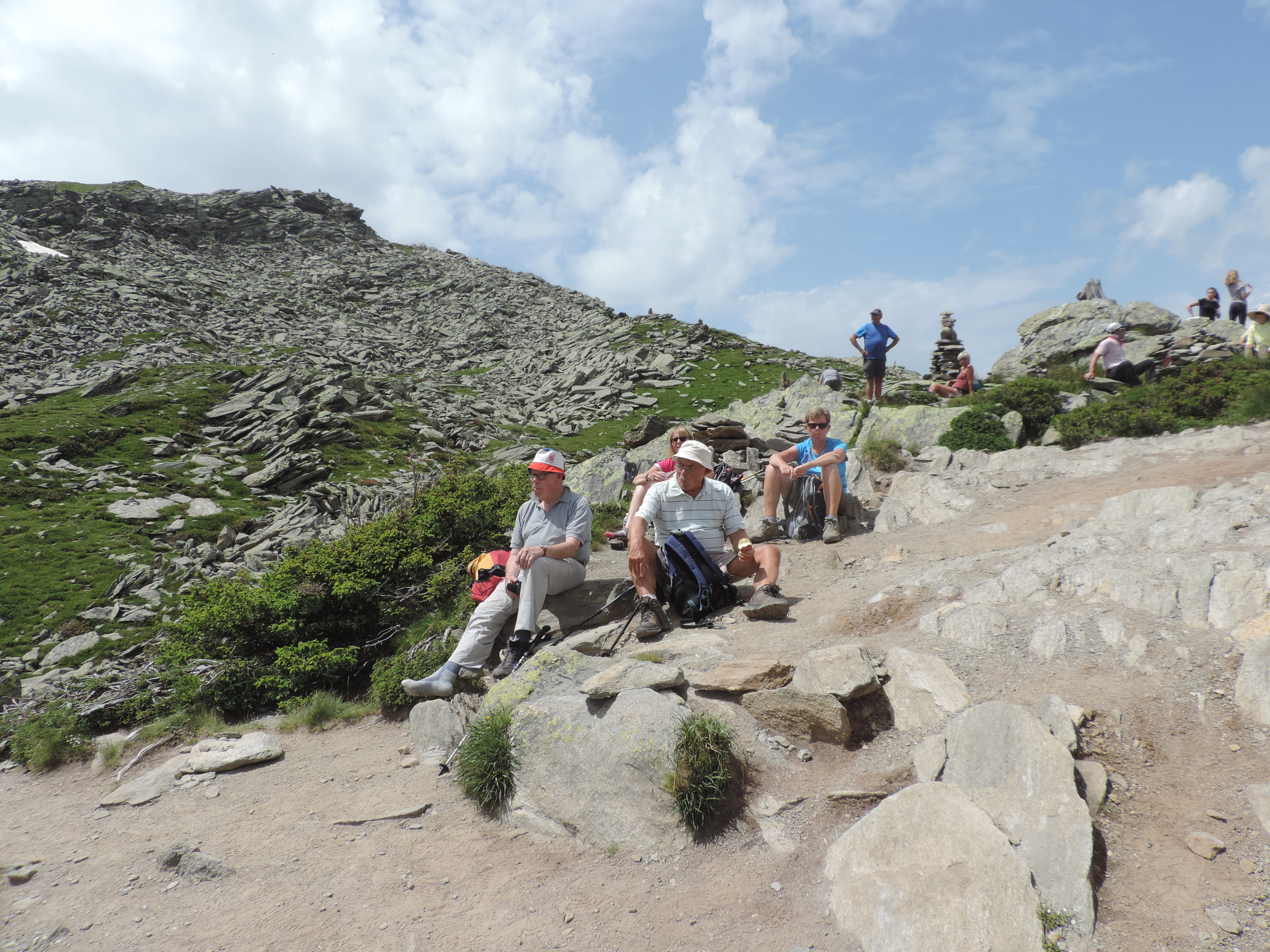 image: popular lunch stop on a pinnacle walking holiday