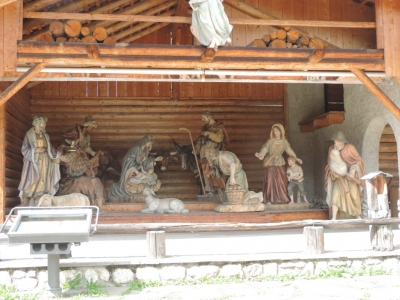 image: largest crib wood carving in europe