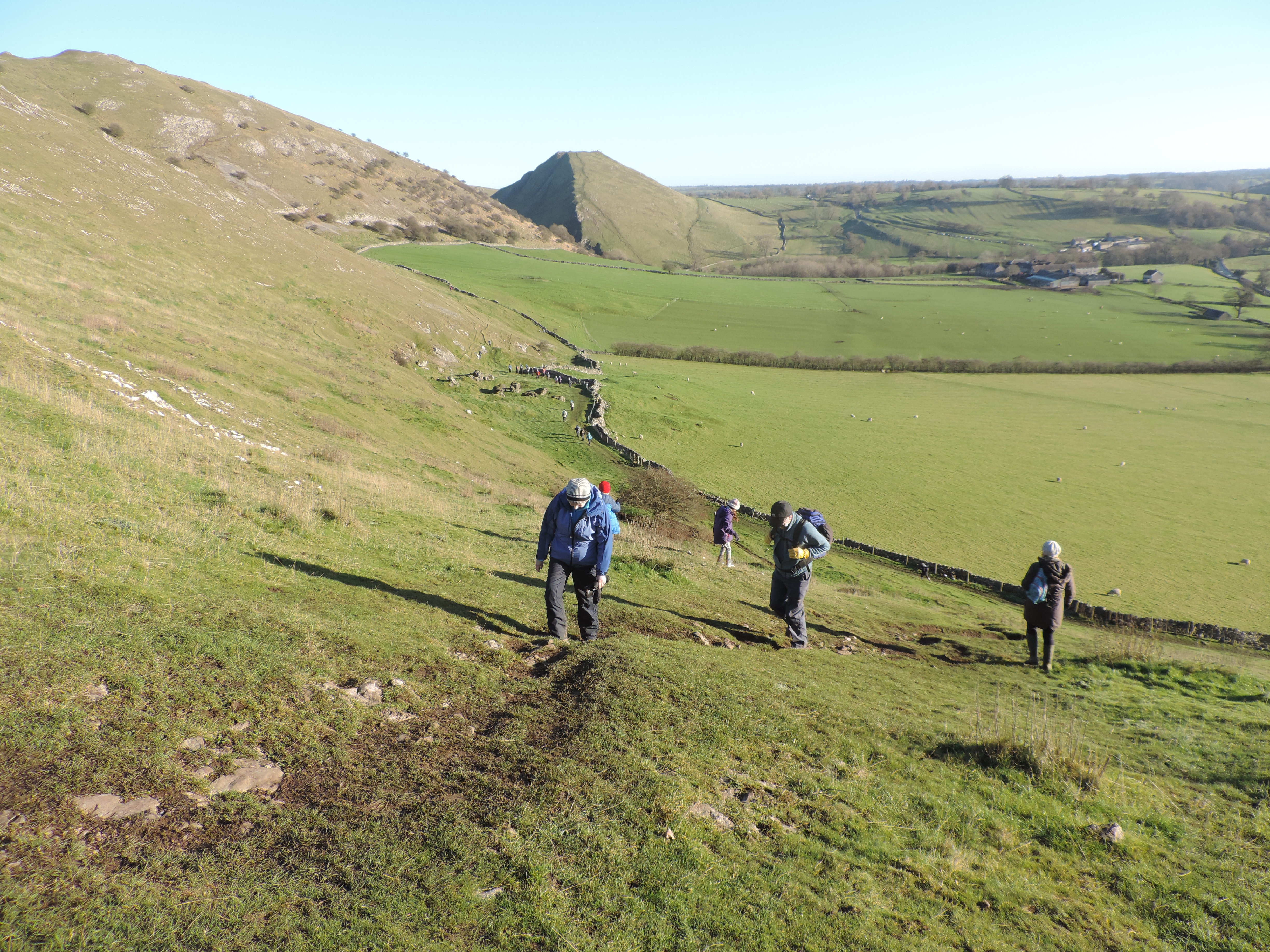 image: approaching Bunster Hill on a Pinnacle walking holiday