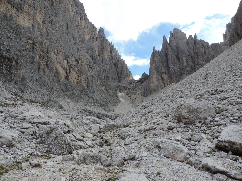 image: walking through the Sassolungo